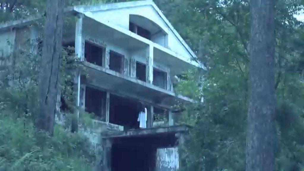 ngôi nhà ma trên đèo prenn Đà Lạt