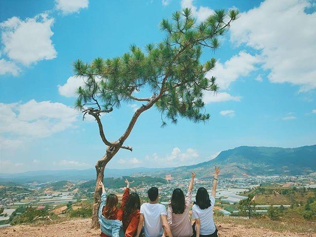 sống ảo ở đồi thiên phúc đức